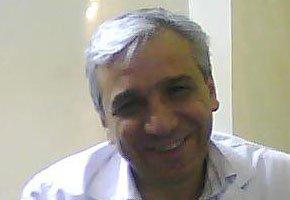 """Yassin Haj Saleh, écrivain syrien et auteur de """"Récits d'une Syrie oubliée"""""""